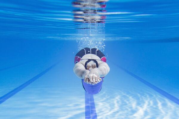 水泳のストリームライン