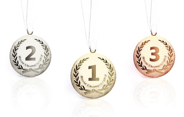 三種類のメダル